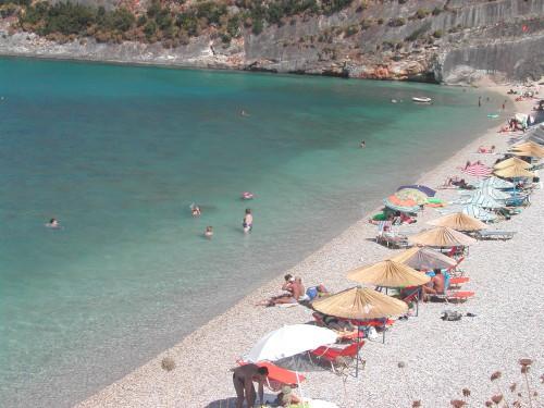 Plaža s kamenčki - Makris Gialos (Zakintos, Grčija)