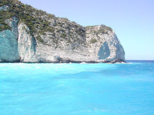 Turkizno morje ob obali Zakintosa, Grčija