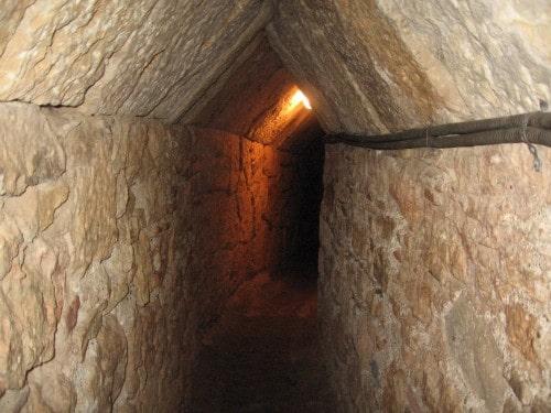 Vhod v tunel, otok Samos