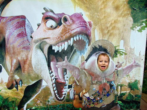 Minibar in sprostitev v Dinoparku
