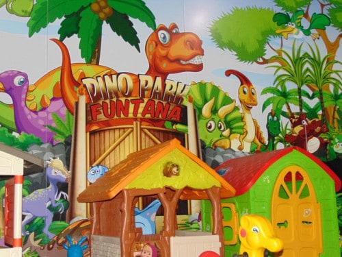 Cirkuška predstava v Dinoparku