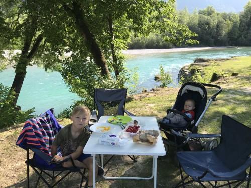 Zajtrk z razgledom Balkan Campers)