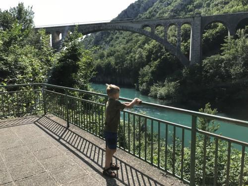 Krajša pešpot od Oštarije Žogica do Solkanskega mostu