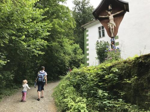 Mimo cerkve Marije Kroparske, izlet Jamnik