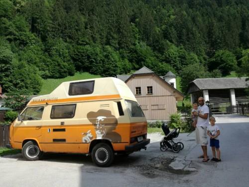 Postanek za kosilo v Železnikih (Balkan Campers)
