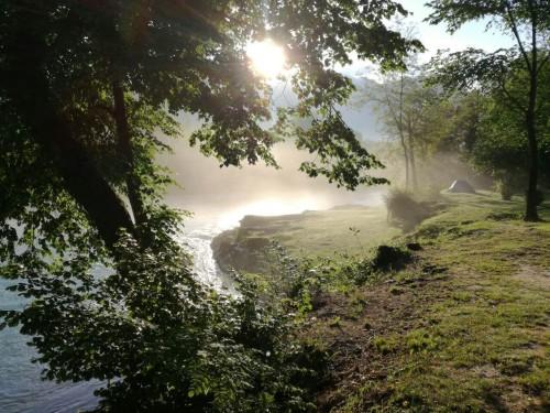 Najlepši razgled iz kamperja na prebujanje narave (Balkan Campers)