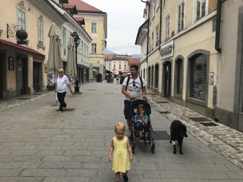 Po ulicah starega mestnega jedra Kranja