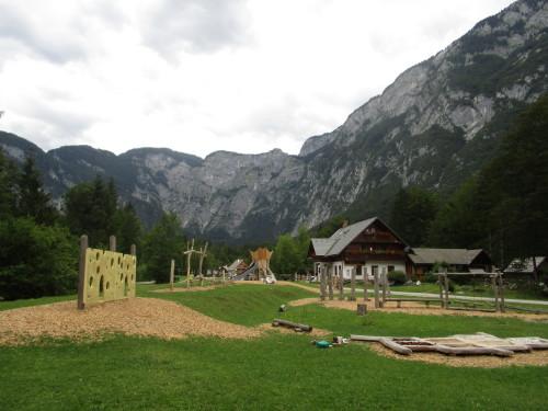 Zmajevo igrišče, Zlatorogova pravljična pot