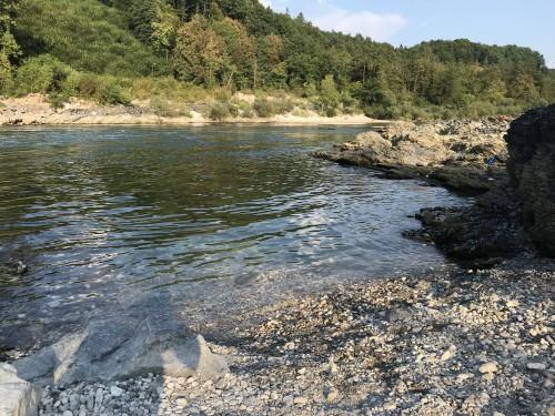 Kljub temu, da plaža Sava ni kopališče, so uredili dostop v vodo