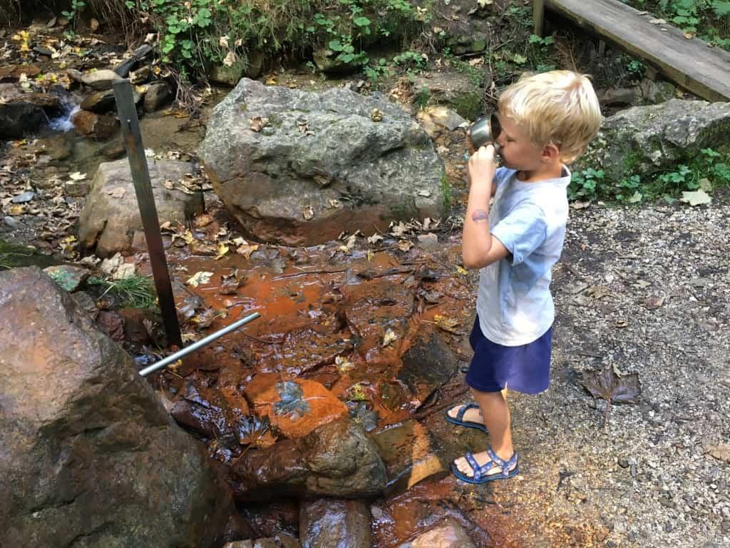 Pitje železne kisle mineralne vode, Solčavska panoramska cesta
