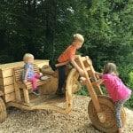 Družinski obisk Polhovega doživljajskega parka in ogled čebelarske razstave