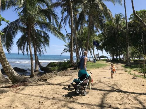 Peščene plaže imajo prednosti, pa tudi slabosti Puerto Viejo, Kostarika)