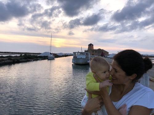 Soline z dojenčico, Sicilija