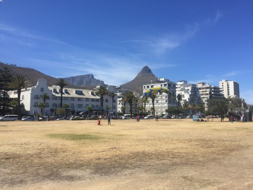 Sprehod po promenadi Sea Point in pogledn na Lions Head