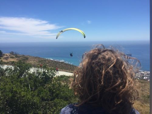 Opazovanje jadralnih padalcev na Signal Hillu, Cape Town