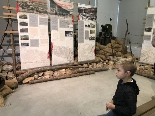 De razstave posvečen soški fronti (park vojaške zgodovine)